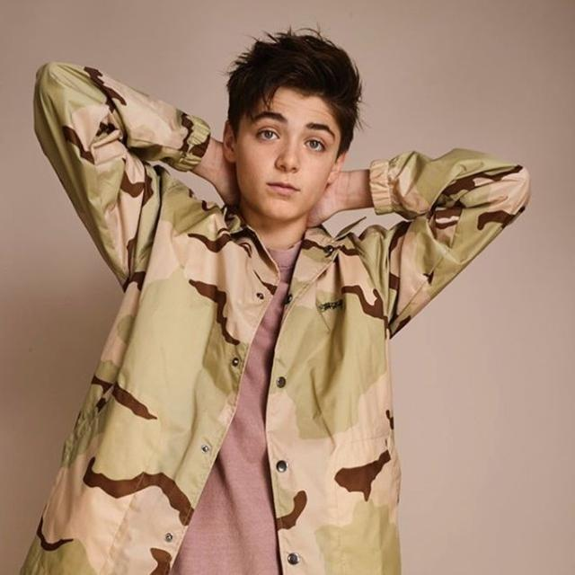 画像2: ©Asher Angel/Instagram