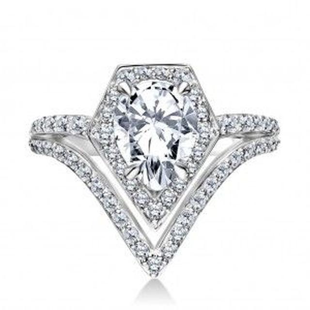 画像1: セレブが愛する名物デザイナー カール・ラガーフェルドが婚約指輪をデザイン