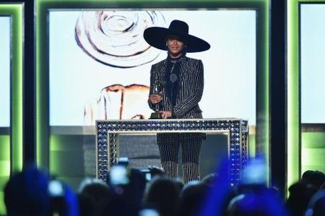 画像: ビヨンセ、ファッション界で最も権威あるアワードでのスピーチが感動を呼ぶ