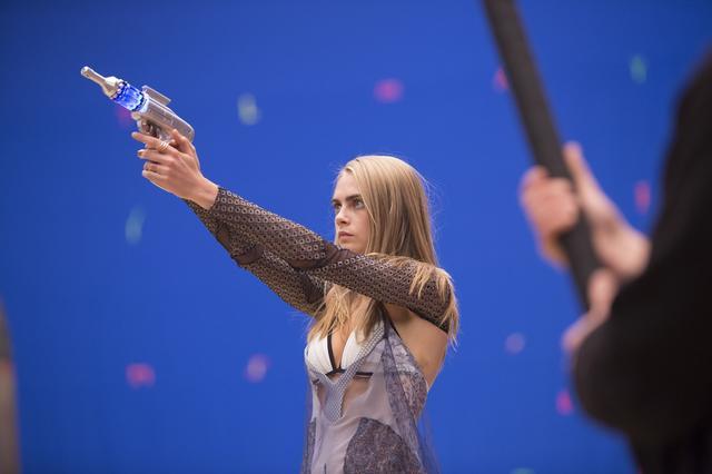 画像5: 映画『ヴァレリアン 千の惑星の救世主』レアなオフショットを公開!