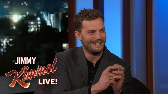 画像: Jamie Dornan on His Wee-Bag & Dakota Johnson www.youtube.com