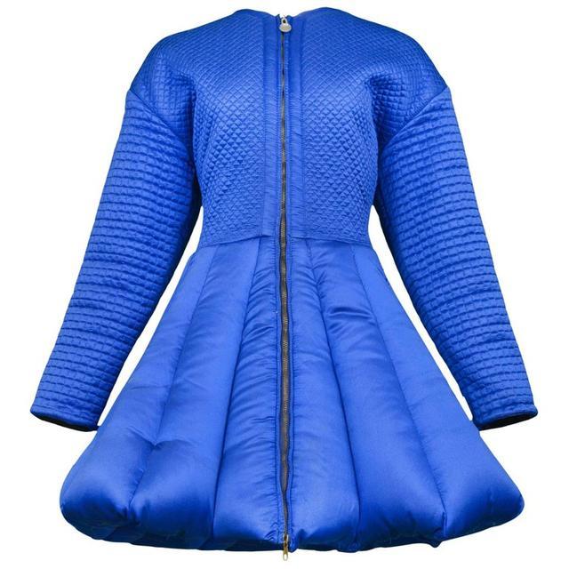 画像: Blue Quilted Puffer Coat www.versace.com