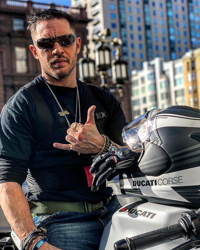 画像1: Tom HardyさんはInstagramを利用しています:「Ducati SuperSport wow 」 www.instagram.com