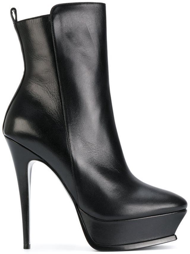 画像: Platform Ankle Boots(138,942円) www.ysl.com