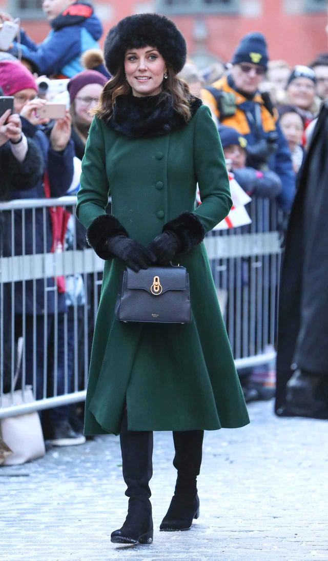 画像2: 全12ルックお届け!キャサリン妃のロイヤルツアー・ファッションに密着