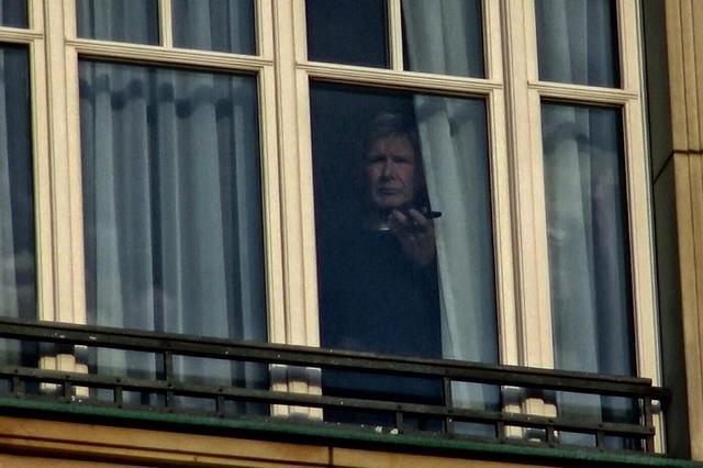 画像1: セレブがこぞって「窓からチラ見」