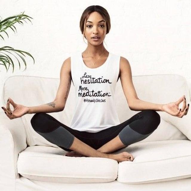 画像: トップモデルのジョーダン・ダンが、キャンペーンモデルを務めている。