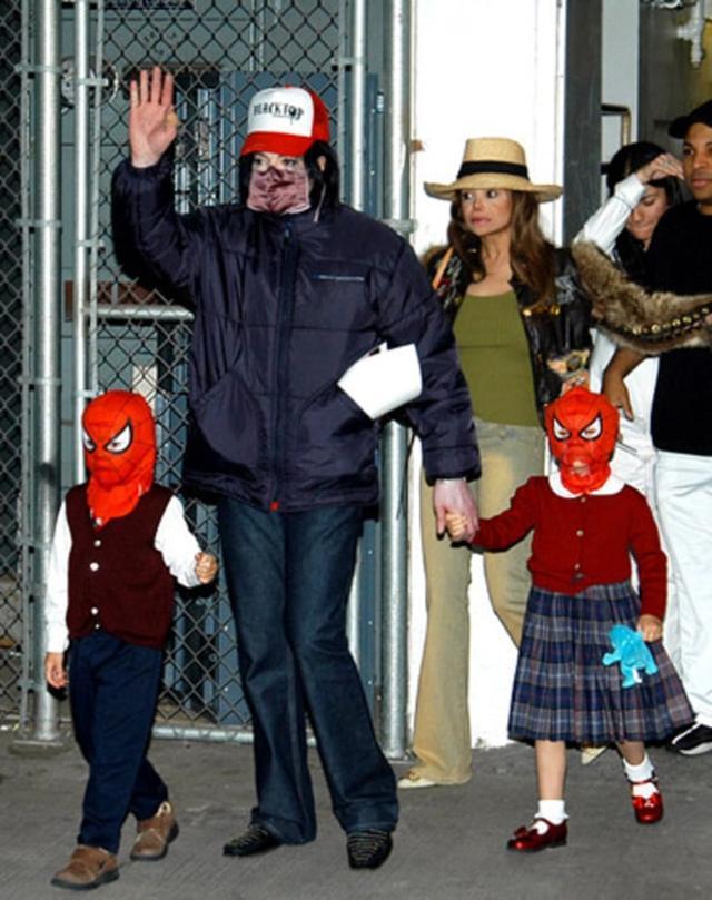 画像: スパイダーマンのマスクを着けていたことも…。