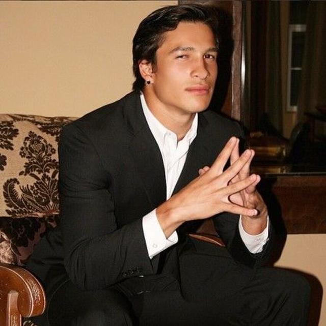 画像: 伝説のボクサー、モハメド・アリのイケメン孫バッジオ・アリ・ウォルシュがモデルに