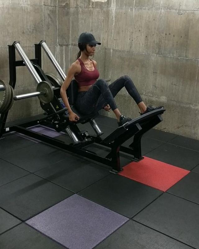 画像1: Jourdan DunnさんはInstagramを利用しています:「Back at it with @pt_dunn  #FitnessFriday」 www.instagram.com