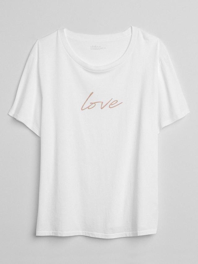 """画像: Gapが、国際女性デーに向けて""""LOVE""""Tシャツを発売"""