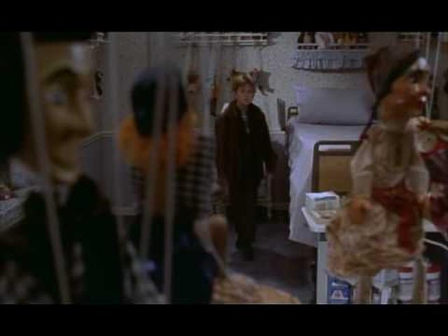 画像: The Sixth Sense Trailer HD www.youtube.com