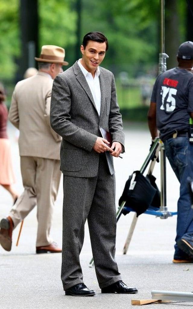 画像4: 『X-Men』のイケメン俳優ニコラス・ホルトが、NYセントラル・パークで血みどろ!?