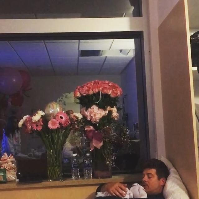 画像1: Robin ThickeさんはInstagramを利用しています:「On 2/22 at 13:33 Mia Love Thicke was born. Thank you God and April Love ❤️!」 www.instagram.com