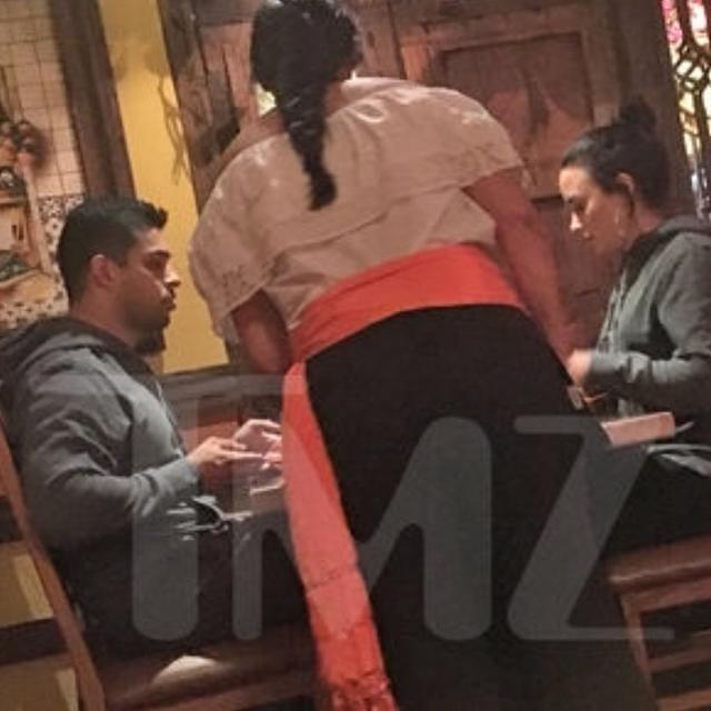 画像1: TMZさんはInstagramを利用しています:「Demi Lovato has what appears to be an unbreakable bond with former bf Wilmer Valderrama, because they were hanging together over the…」 www.instagram.com