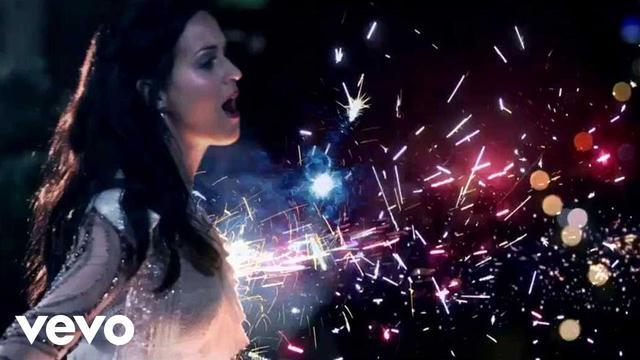 画像: Katy Perry - Firework (Official) www.youtube.com
