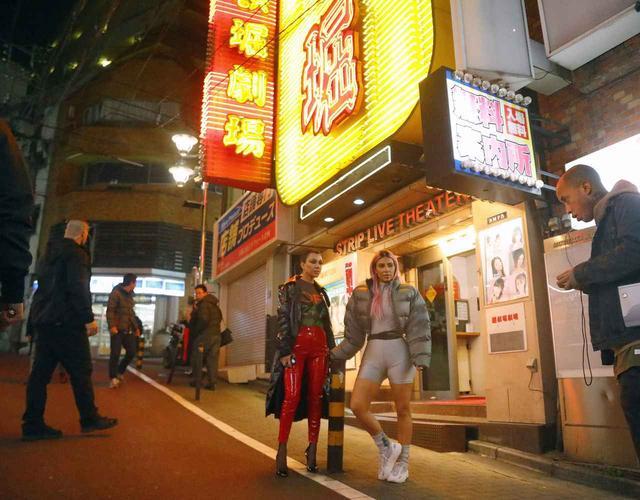 画像4: 来日中のキム・カーダシアン、渋谷のアダルトショップを訪問【写真アリ】