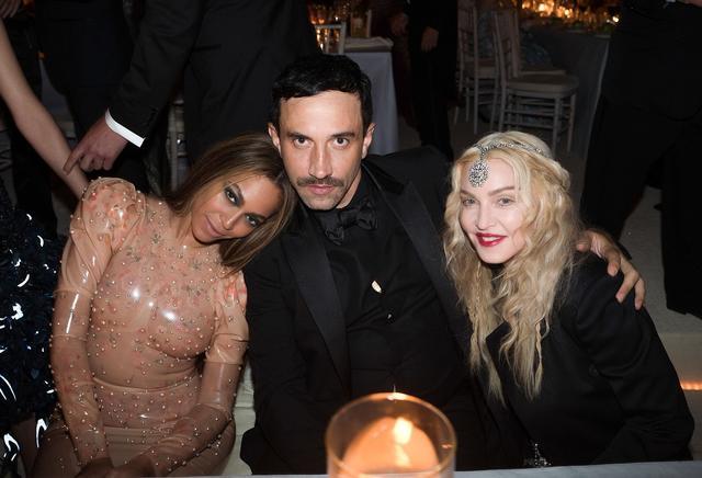 画像: シンガーのビヨンセ&マドンナもリカルドのデザインのファン。