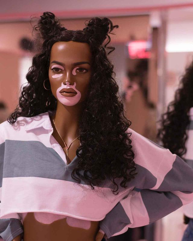画像2: そばかすにストレッチマーク、多様性あふれるマネキンに親近感
