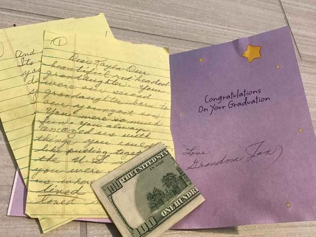 画像: 4歳の頃に他界したおばあちゃんから「高校卒業プレゼント」が届く