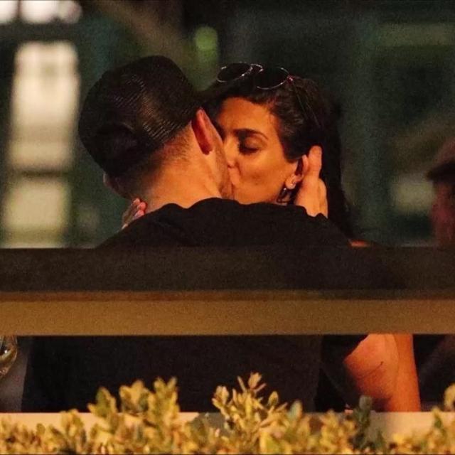 画像1: TMZさんはInstagramを利用しています:「Nick Jonas had a bloody good time down under  #nickjonas #australia #tmz」 www.instagram.com