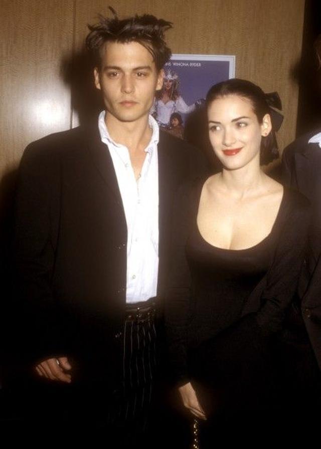 画像: 交際当時のジョニー&ウィノナ。