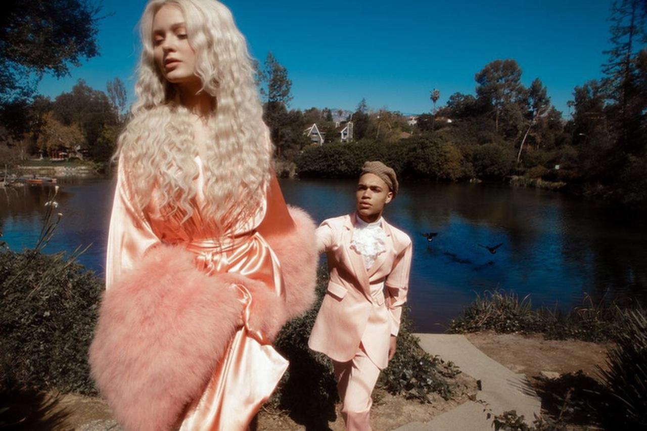 画像6: ザラ・ラーソン、恋人との写真がまるでおとぎ話のプリンセス