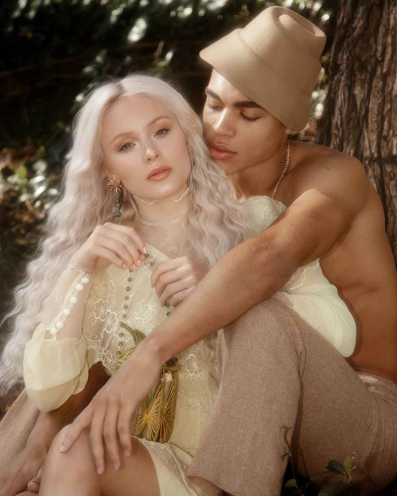 画像7: ザラ・ラーソン、恋人との写真がまるでおとぎ話のプリンセス
