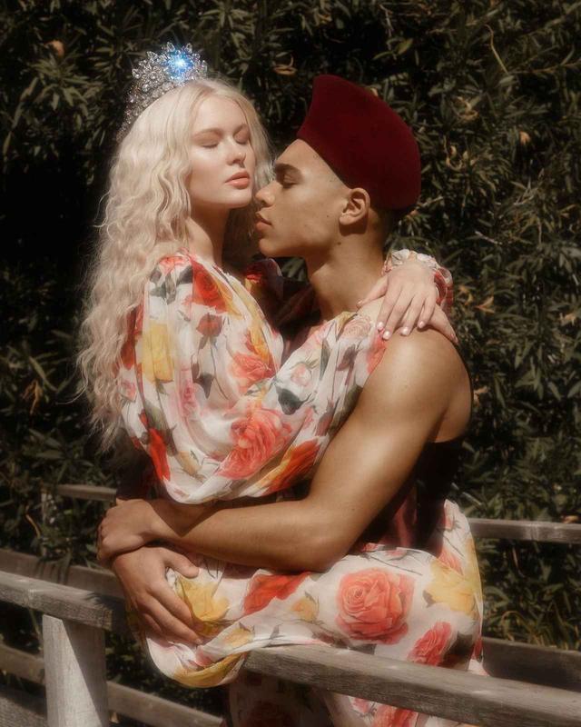 画像5: ザラ・ラーソン、恋人との写真がまるでおとぎ話のプリンセス