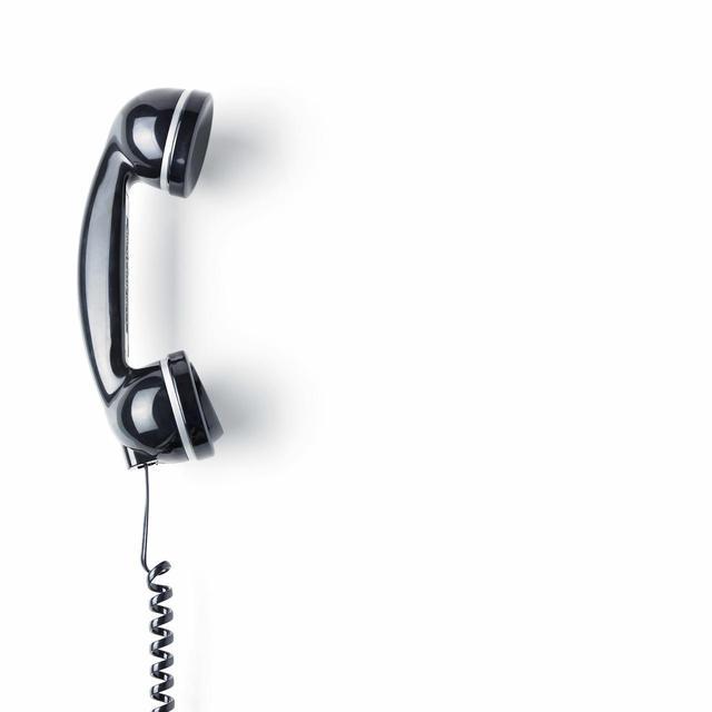 画像: 80歳のおじいちゃん、携帯で通話することができたときの反応は?