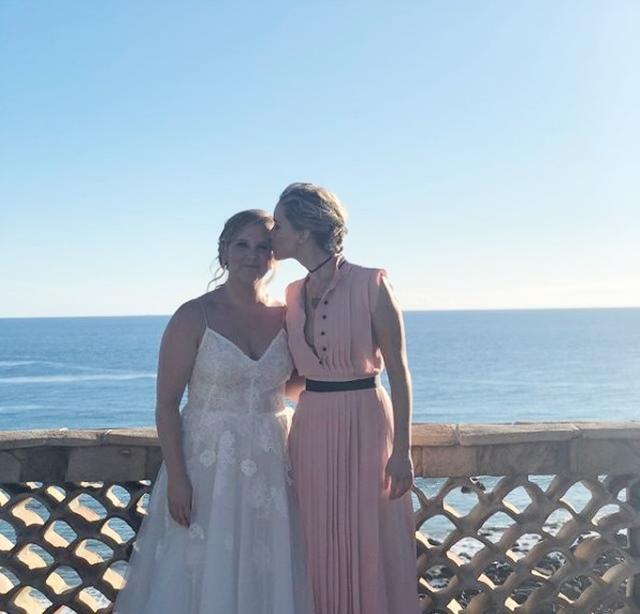 画像: 先日エイミーは結婚式を挙げ、そこにもジェニファーは駆けつけていた。