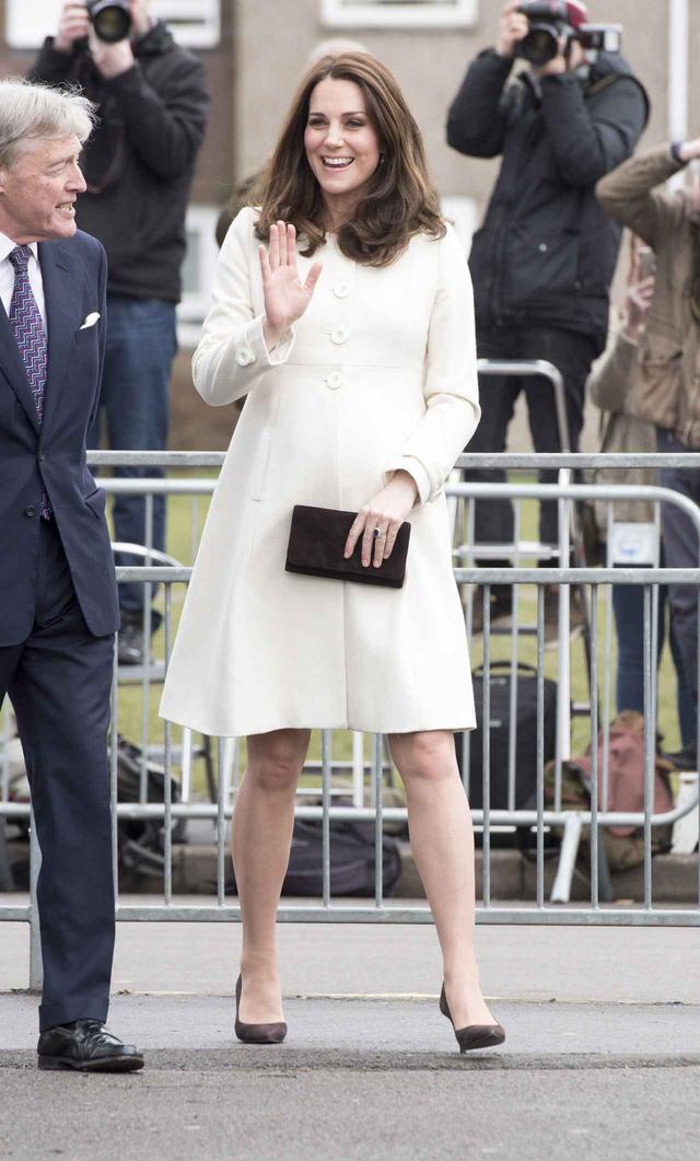 画像: キャサリン妃の体のある部分がおかしいと人々が大騒ぎ
