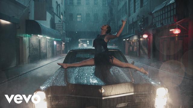画像: Taylor Swift - Delicate www.youtube.com