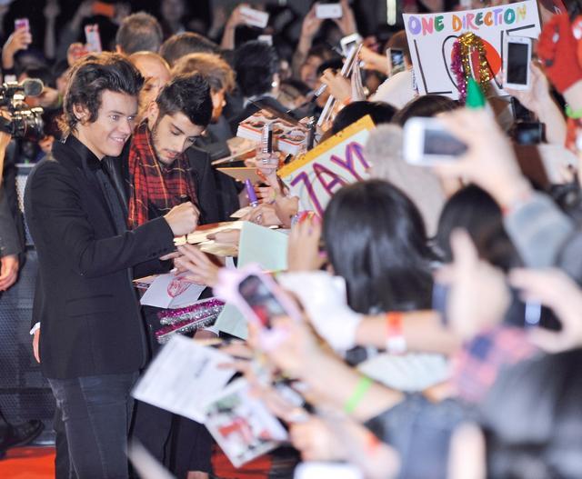 画像2: ファンに日本行きを報告