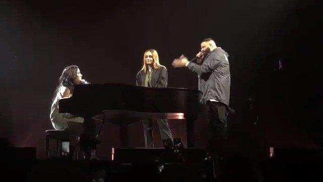 画像: Demi Lovato News on Twitter twitter.com