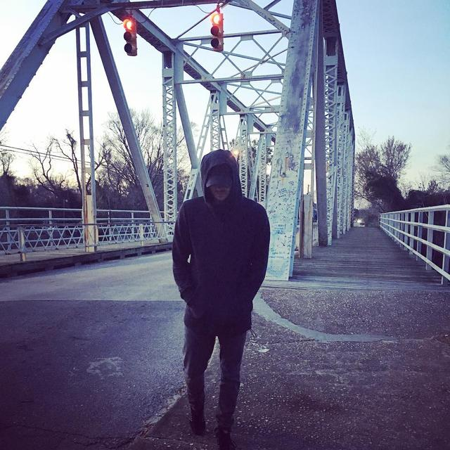 画像1: Chad MurrayさんはInstagramを利用しています:「I returned to the place it all started. Feels like yesterday... Ok, maybe not. It feels like 15 years ago I walked this bridge for the 1st…」 www.instagram.com