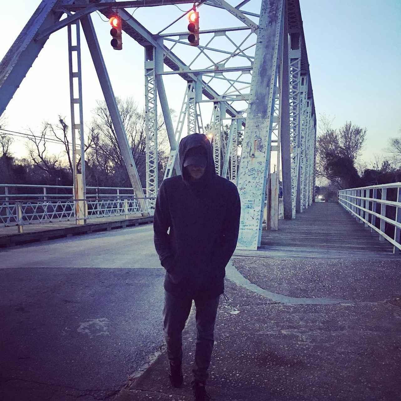 画像1: Chad MurrayさんはInstagramを利用しています:「I returned to the place it all started. Feels like yesterday... Ok, maybe not. It feels like 15 years ago I walked this bridge for the 1st…」 www.instagram.com