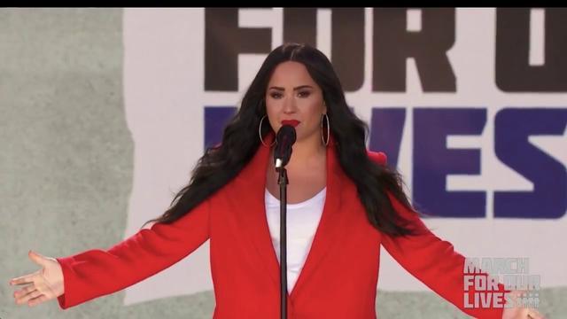 画像: Demi Lovato - Skyscraper (Live at March For Our Lives in Washington D.C.) - March 24th www.youtube.com