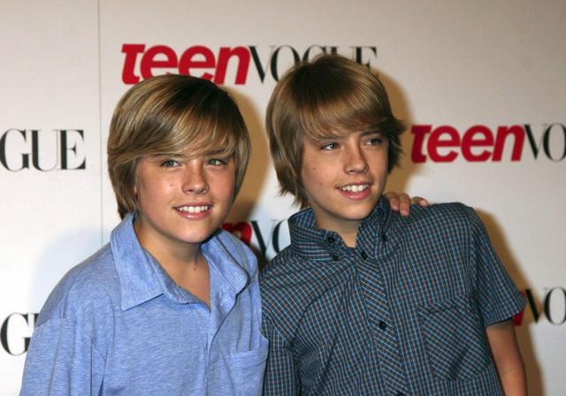 画像: 双子の兄ディラン(左)と。