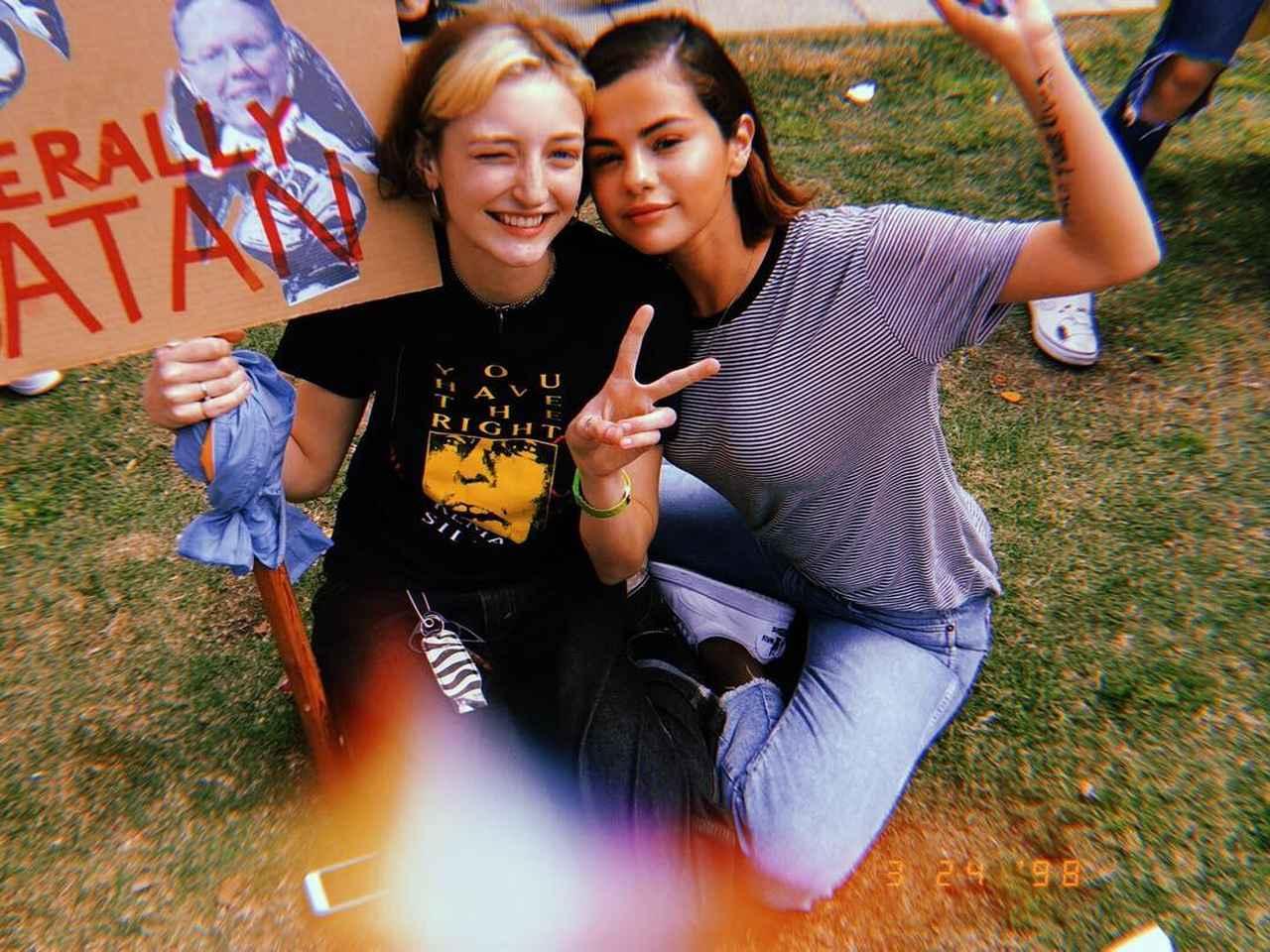 画像1: Selena GomezさんはInstagramを利用しています:「I don't want this to just be an Instagram post anymore. PLEASE. ENOUGH. These people, families and CHILDREN have suffered enough. Today we…」 www.instagram.com