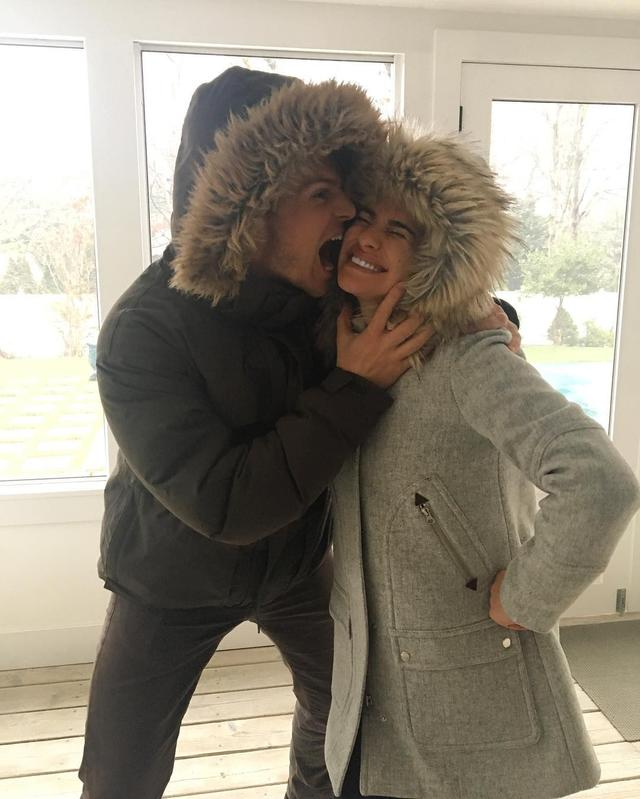 "画像1: Lea Michele on Instagram: ""My best friend Jonathan Groff.. he loves me❤️ wouldn't be a holiday without you JG.. best friends for 12 years now! ✨ #fauxfur"" www.instagram.com"