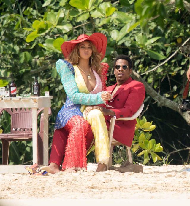 画像: 現在、ジャマイカで撮影をおこなっているビヨンセ&ジェイ・Z夫妻。