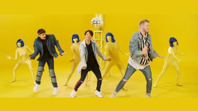 画像: 楽曲「ファンタシー」で韓国人アーティストのアンバーとコラボ。 www.youtube.com