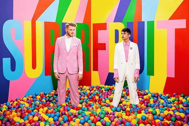 画像: YouTubeで10代に大人気の米男性2人組「スーパーフルーツ」の来日撮影に独占密着