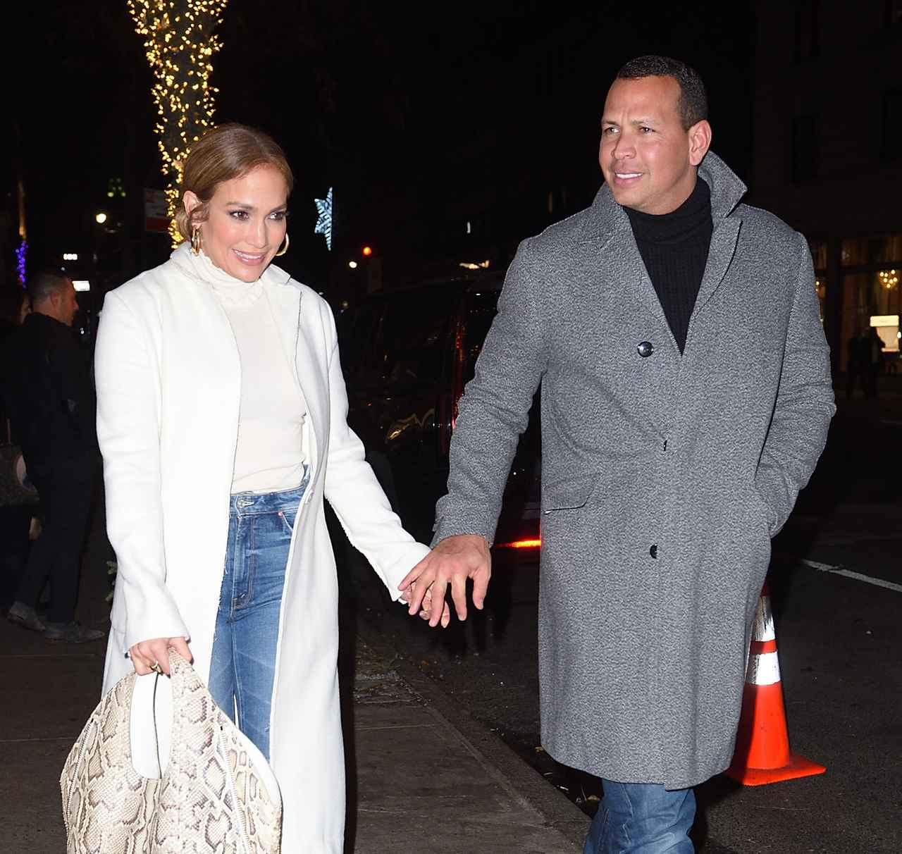 画像: ニューヨークのレストランNELLOでディナーデートした2人。