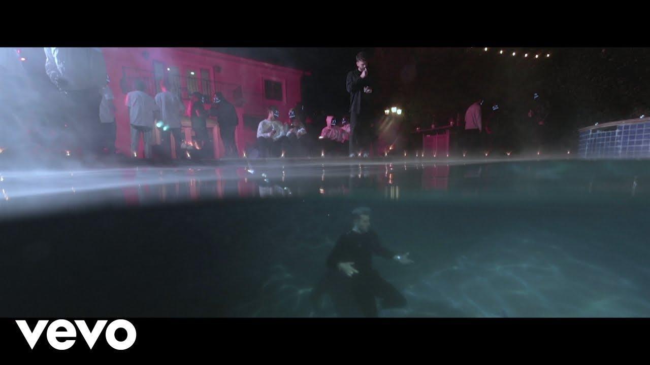 画像: The Chainsmokers - Everybody Hates Me www.youtube.com