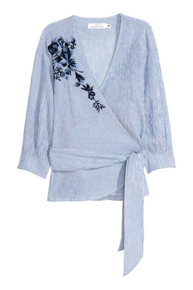 画像: H&M / コットンラップブラウス 2,999円(税込) www2.hm.com