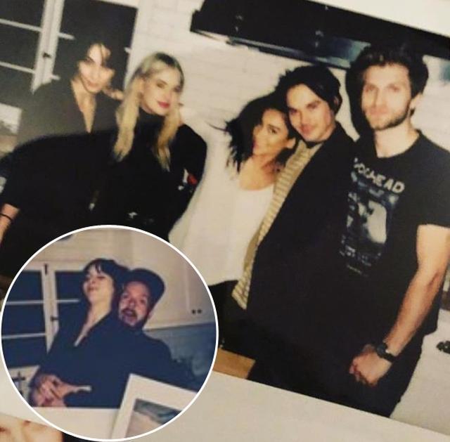 画像: 1月にキャストが再会してホームパーティーを開催。夫のパトリック(左下)を連れて出席した。 www.instagram.com