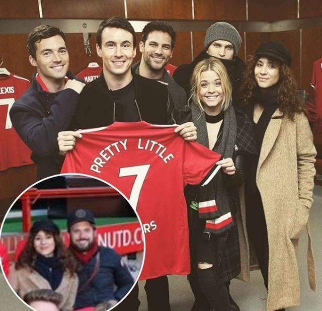 画像: ドラマのイベントが2月にイギリスで開催。夫(左下)を同伴し、現地での夫婦旅行も楽しんだ。 www.instagram.com