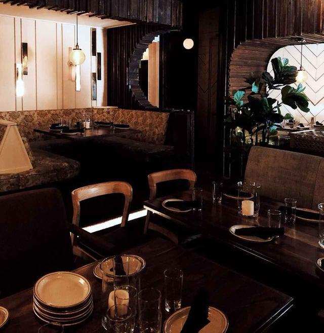 画像: セレブ御用達のレストランとして知られるナイス・ガイは、セレーナのお気に入りレストラン。